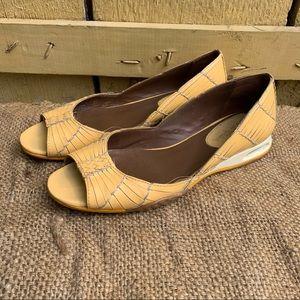 Cole Hann Nike Air Womens Yellow Slip On Flats